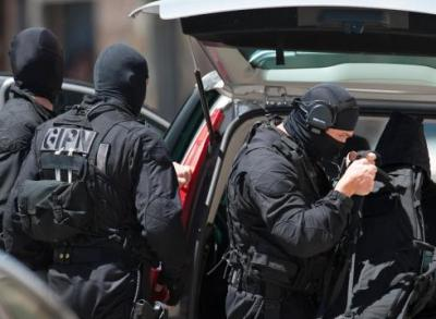 French-police-capture-gunman-and-free-hostages-2L1N6Q3K-x-large